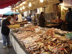 Il mercato di ortigia si rif il look notizie siracusa for Mercatino dell usato siracusa