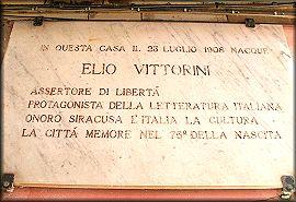 La casa natale in via Vittorio Veneto, Targa